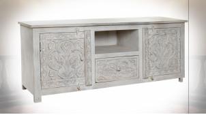 Meuble TV en bois de manguier finition blanc vieilli aux motifs de fleurs de style Indien, 151cm