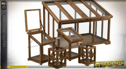 Ensemble composé de 5 serres et lanternes en bois finition cirée de tailles différentes avec vitrages