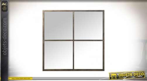 Grand miroir carré en forme de fenêtre à quatre carreaux en métal brut patine Champagne