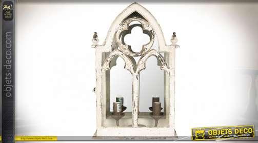 Applique murale blanc vieilli en forme de fenêtre gothique avec miroir et deux feux d'éclairage