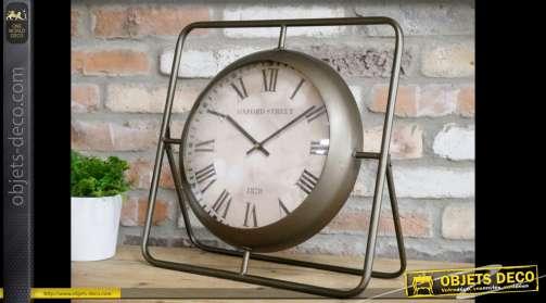 Horloge de style rétro à poser avec son support en métal finition vieux bronze en forme de chevalet