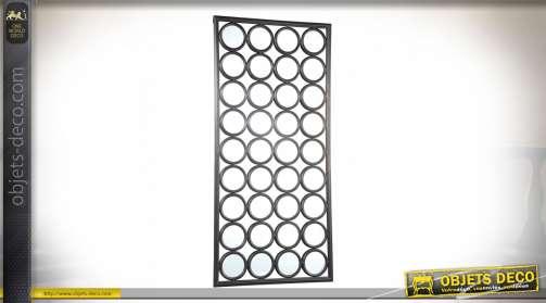 Miroir mural effet géométrique en damier de 36 miroirs circulaires finition effet métal argenté