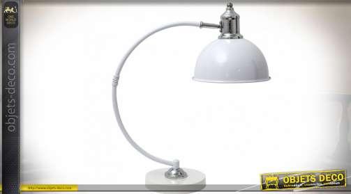 Lampe de bureau rétro avec bras en métal galbé, finition blanc et chrome