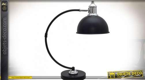 Lampe de bureau rétro avec bras en métal galbé, finition noir mat et chrome
