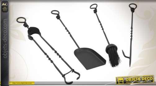 Set de 4 accessoires en fer forgé patine noir antique pour cheminée