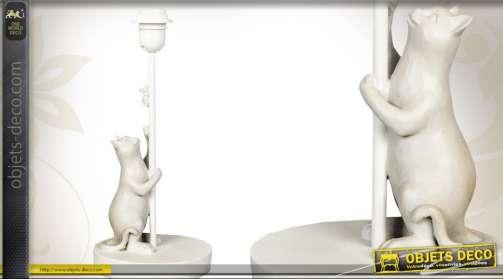 Pied de lampe de table avec statuette de scène animalière : le chat et la souris