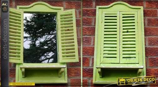 Grand miroir décoratif en forme de fenêtre à persiennes coloris vert pomme finition antique