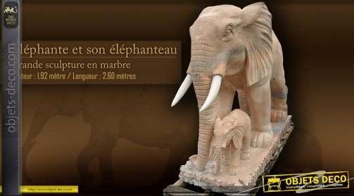Sculpture animalière en marbre : éléphant