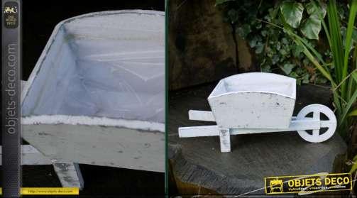 Petite brouette pot de fleurs en bois avec doublure intérieur PVC coloris blanc antique