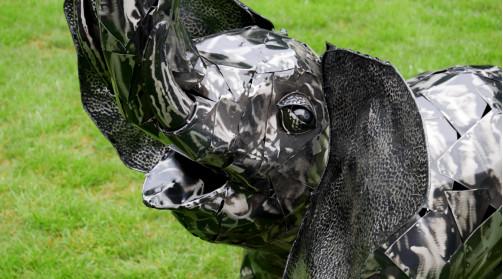 Sculpture de jardin en métal finition noir et argenté, représentation d'un éléphant de 125cm de haut