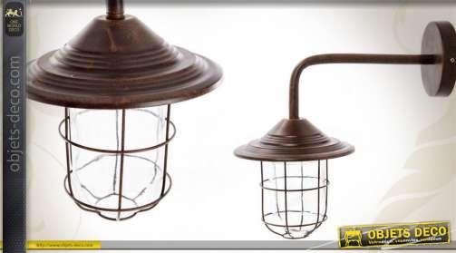 Applique en métal coloris marron cuivré vieilli avec support coudé et cage de protection en verre et métal