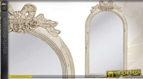 Miroir rétro et romantique patine crème avec motifs floraux