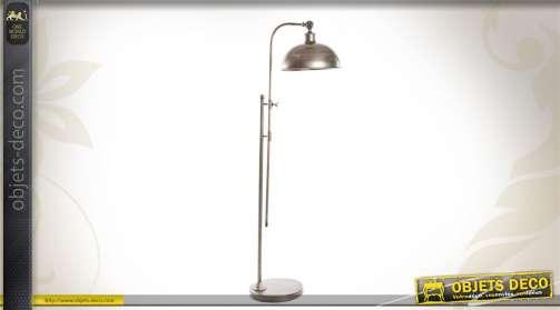 Lampadaire de style industriel, en métal finition vieilli