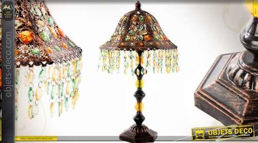 Lampe de style exotique en métal cuivré ouvragé avec brillants et pampilles multicolores