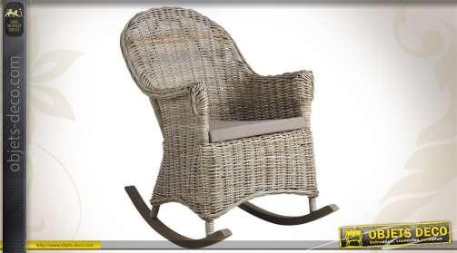 Rocking chair en poelet gris avec coussin en coton.
