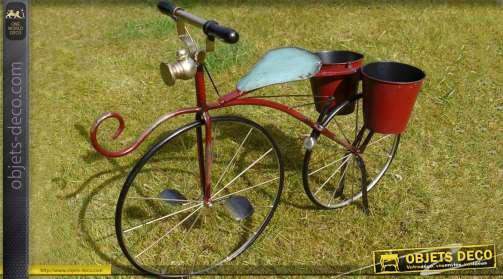 Vélo jardinière de style rétro avec finition colors Bordeaux et noir