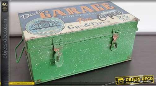 Reproduction en d'une ancienne boîte à outils en métal. Réclame ancien garage.