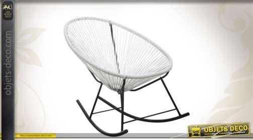 Rocking-chair design réalisé en métal et résine, coloris blanc et noir.