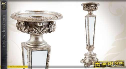 Chandelier en résine finition métal vieilli, de style ancien, avec miroirs.