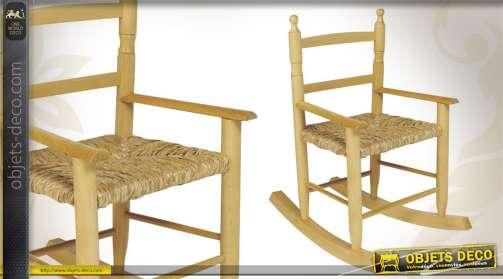 Rocking-chair en hêtre blanchi avec assise roseau, pour enfant.