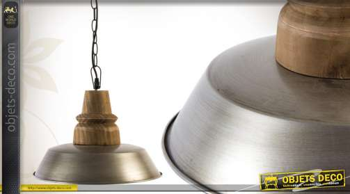Suspension plafonnier en métal et en bois, de style indus.