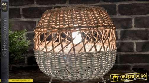 Lampe à poser réalisée en métal et en osier naturel et blanc Ø 24 cm.