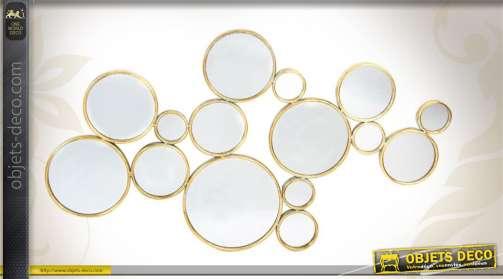 Décoration murale ensemble de miroirs de forme ronde, tailles variées, coloris vieux doré.