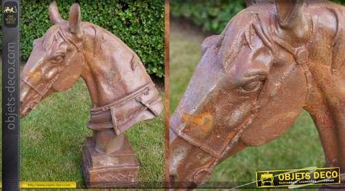 Sculpture finition métal vieilli, représentant une tête de cheval.