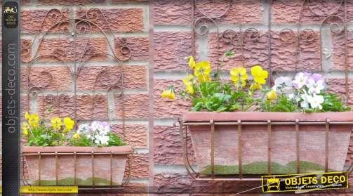 Jardinière murale avec bac et support mural ouvragé.