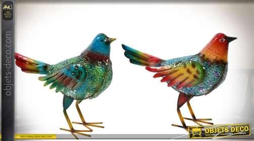 Série de deux grands oiseaux en métal brillant,.