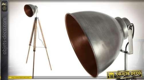 Lampadaire trépied en bois et métal finitions cuivrées style vieille industrie