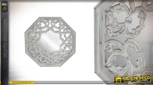 Miroir en bois de forme hexagonale fintion blanche effet vieillie
