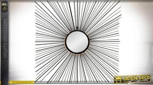 Grand miroir décoratif mural avec rayonnements en métal noir et doré