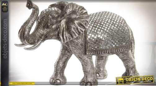 Statuette d'éléphant géante en résine finition effet métal argenté avec incrustation de petits miroirs en mosaïques de verre