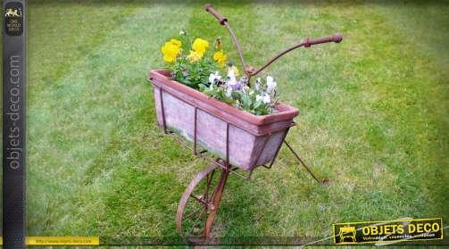 Jardinière rétro en métal en forme de guidon et roue avant de vélo d'autrefois, finition oxydée