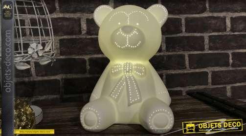 Lampe style enfantin en porcelaine blanche avec éclairage LED, motif petit ours blanc