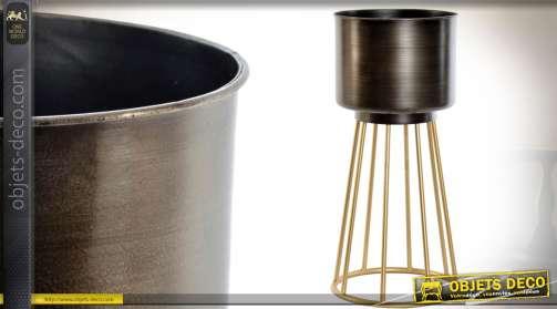 Jardinière sur support en métal, forme cylindrique, finition dorée et bronze vieilli