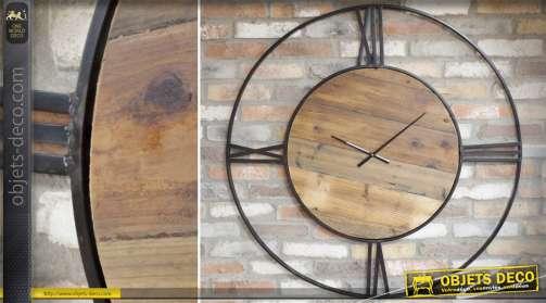 Très grande horloge murale en bois et métal de style ancien et rustique
