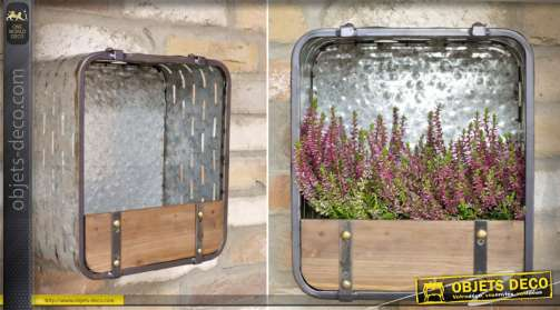 Etagère murale / jardinière de style industriel en bois et métal