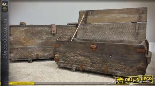 Série de deux coffres rustiques en bois ancien pour rangement et déco