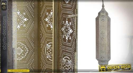 Haute lanterne orientale en métal style moucharabieh patine blanche à l'ancienne