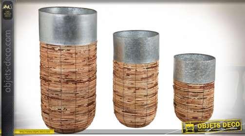 Série de 3 cache-pots en rotin antique avec bord en zinc
