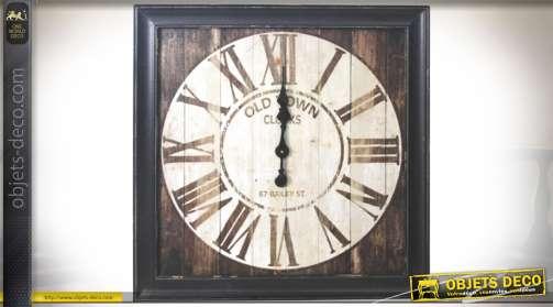 Horloge de style rétro et brocante en bois finition brou de noix 72 x 72 cm