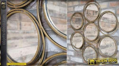 Miroir à 7 glaces circulaires, structure en métal doré vieilli, style rétro Art Déco