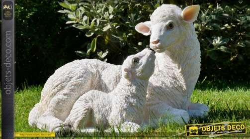 Décoration animalière en résine, brebis blanche et son agneau