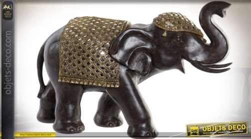 Grande statuette d'éléphant indien coloris noir avec couverture dorée et brillante