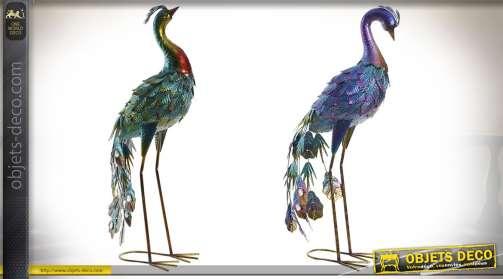 Série de deux paons en métal pour décoration, coloris vert et violet, hauteur 66 cm