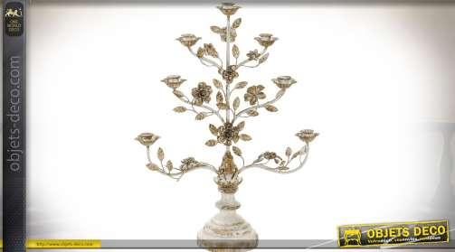 Chandelier romantique et baroque en bois et métal avec ornementations florales et de feuillages dorés