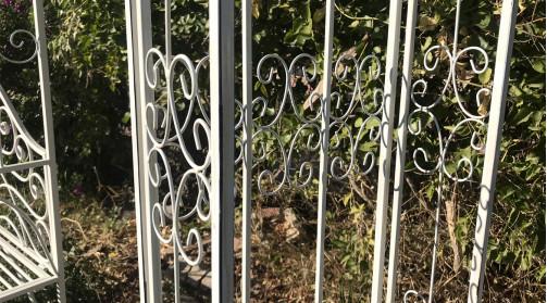 Arche de jardin en fer forgé blanche