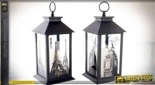 Couple de lanternes, coloris noir, avec ornementations sur le thème de Paris et de Londres, équipées avec bougies LED pour éclairage.